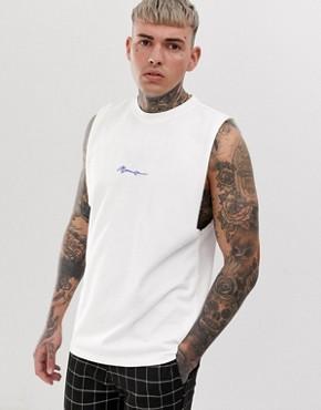 Mennace essential vest in white