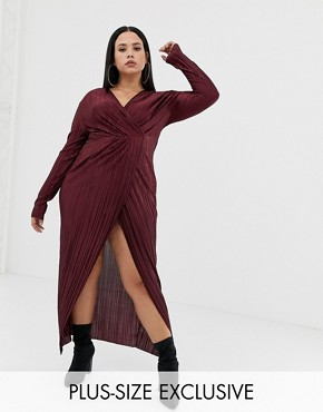 PrettyLittleThing Plus exclusive plus plisse maxi dress in berry