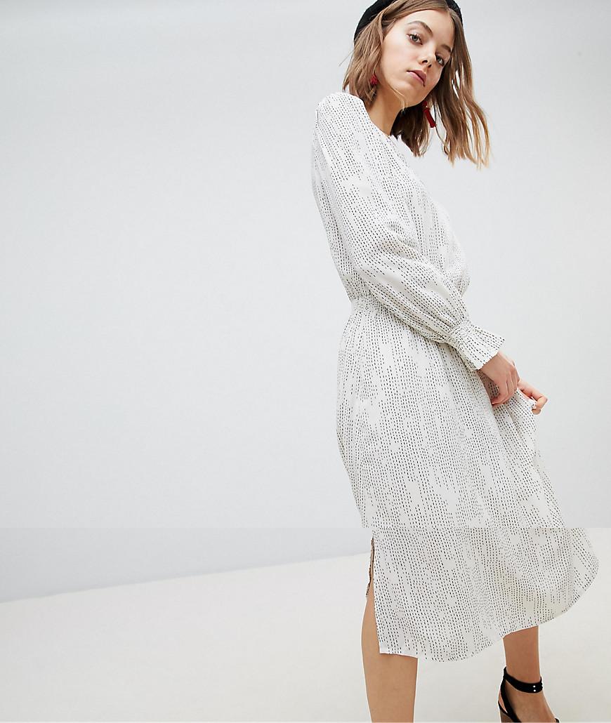 Vero Moda Aware Printed Shift Dress - Egg nog