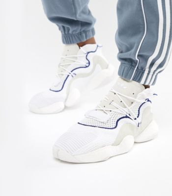 Looped: Sneaker-Styles