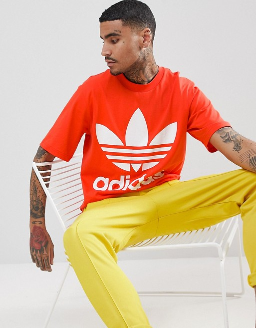 adidas Originals adicolor Oversized T-Shirt In Boxy Fit In Red CW1213