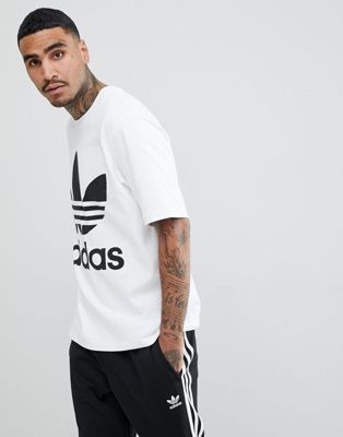adidas Originals adicolor Oversized T-Shirt In Boxy Fit In White CW1212