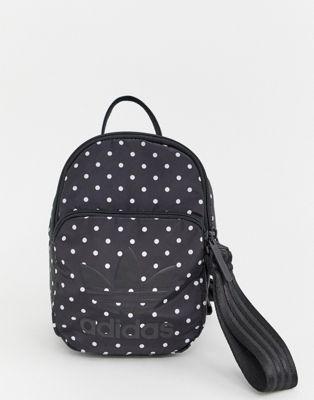 Bild 1 von adidas Originals – Minirucksack in Schwarz und Weiß gepunktet