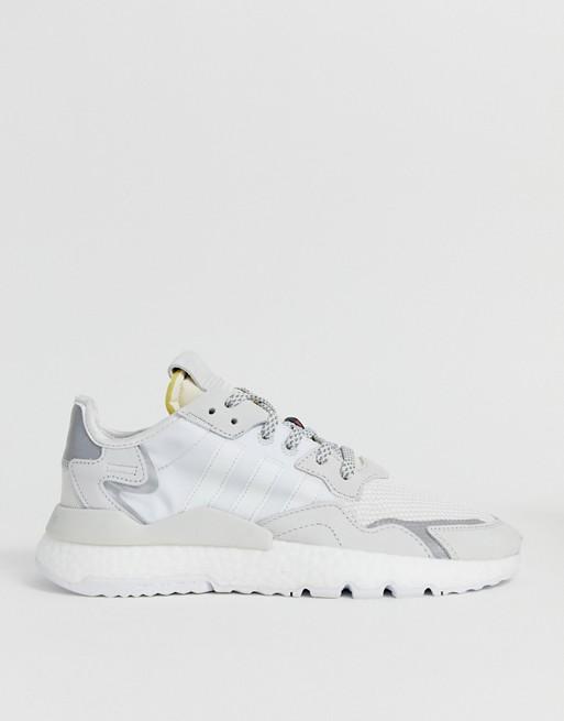adidas Originals – Nite joggers – Vita träningsskor