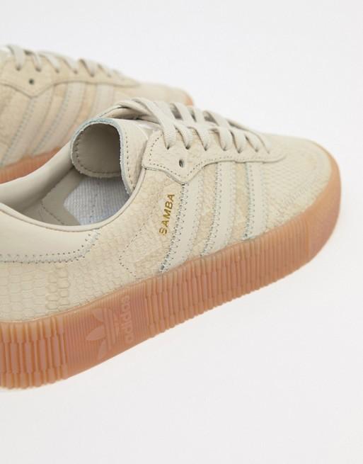 adidas Originals Samba Rose Baskets avec semelle en gomme Fauve