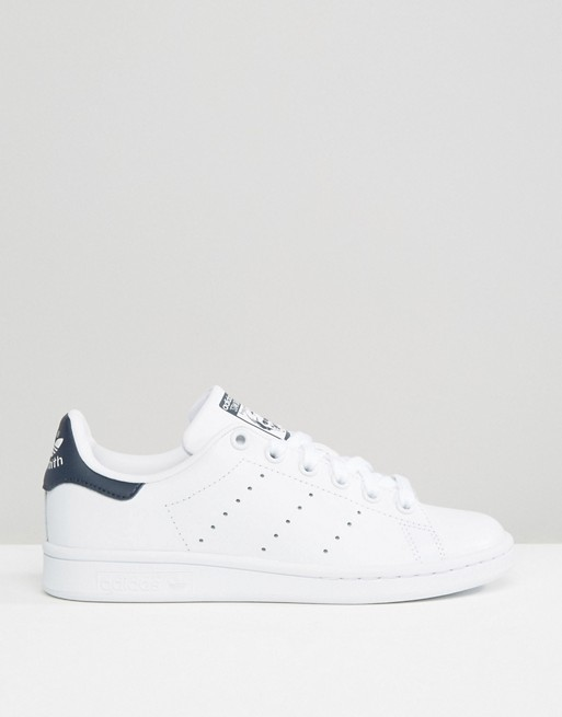 adidas Originals | adidas Originals - Stan Smith - Sneakers bianche e blu navy