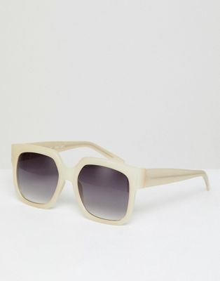 AJ Morgan – Eckige Oversize-Sonnenbrille in Weiß