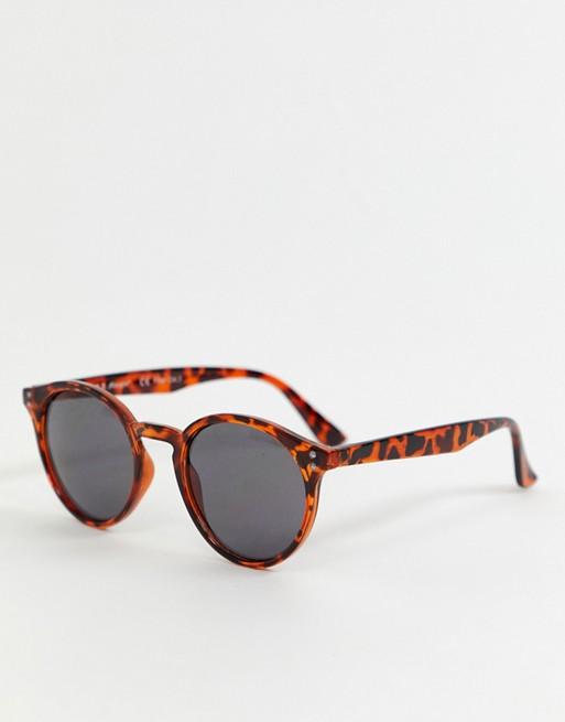 Bild 1 von AJ Morgan – Runde Sonnenbrille in Schildplattoptik