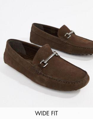 ASOS DESIGN – Bruna loafers i mocka med wide fit och spänne