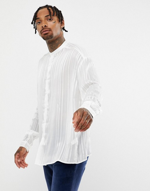 ASOS DESIGN - Chemise transparente oversize avec col grand-père - Blanc