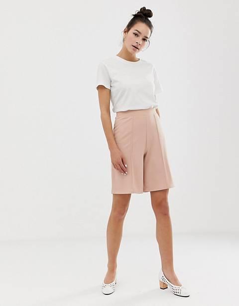 ASOS DESIGN city shorts with pintuck detail