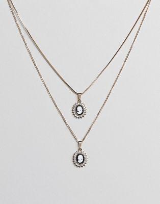 ASOS DESIGN - Confezione da 2 collane color oro con cameo vintage, perle e strass