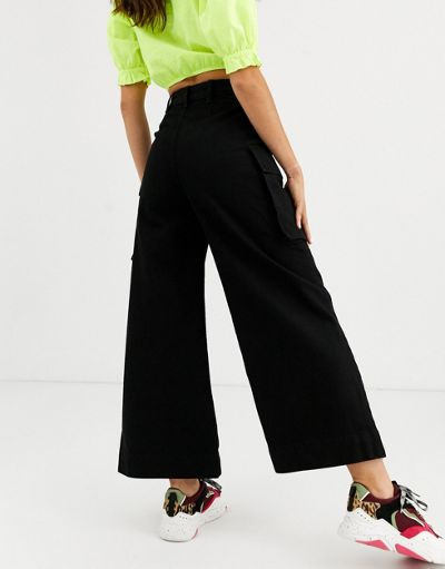 ASOS DESIGN Cropped ankle swinger wide leg jeans with utility pockets in washed black