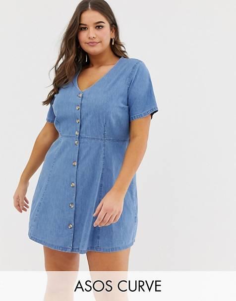 0d77d93455d9 ASOS DESIGN Curve - Robe en jean avec boutons imitation corne - Bleu délavé  moyen