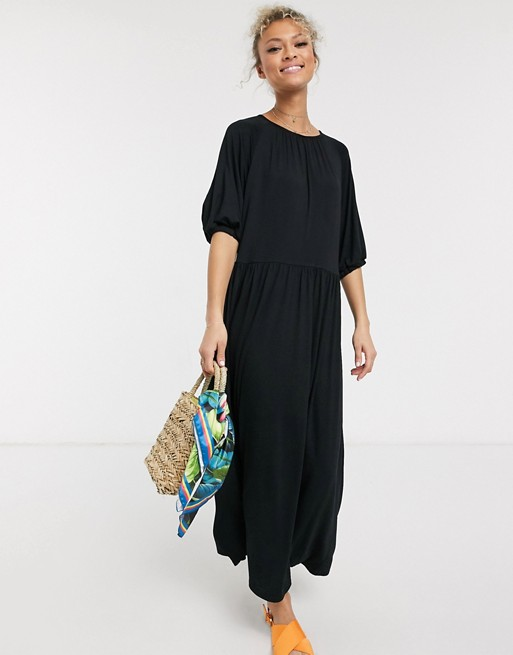 ASOS DESIGN – Czarna luźna sukienka midi z zebranym dekoltem