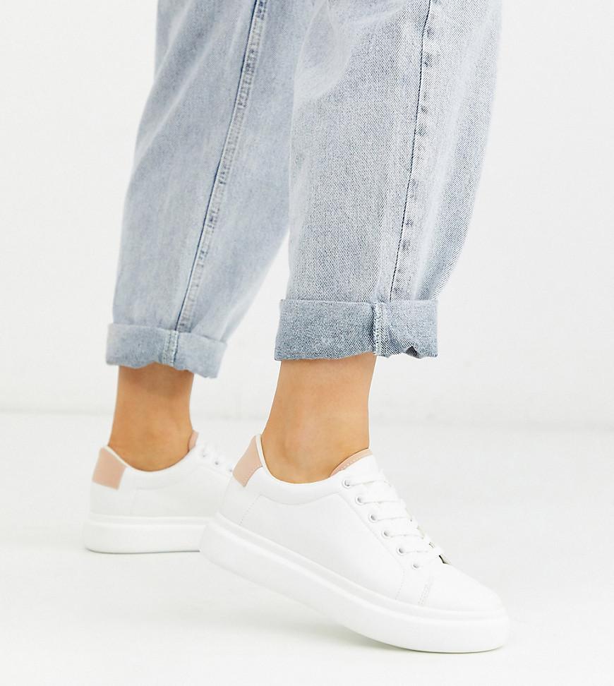 ASOS DESIGN – Doro – Sneaker zum Schnüren mit dicker Sohle und weiter Passform in Weiß und Beige-Mehrfarbig