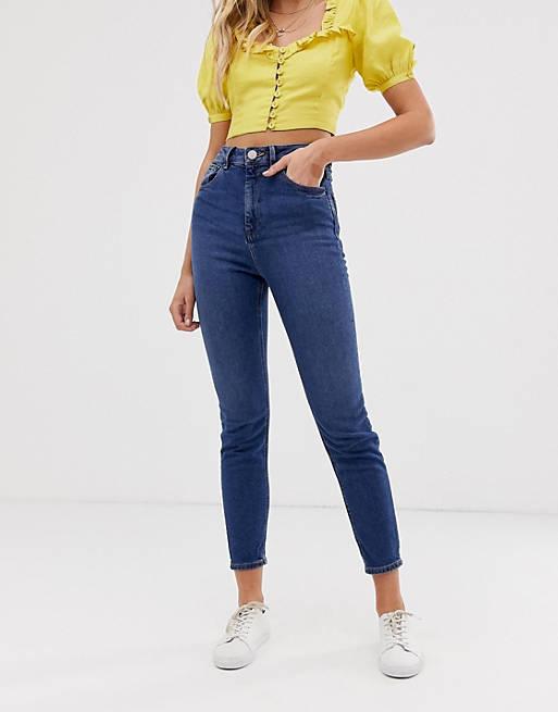 ASOS DESIGN – Farleigh – Schmale Mom-Jeans aus recycelten Materialien mit hohem Bund in dunkler Waschung