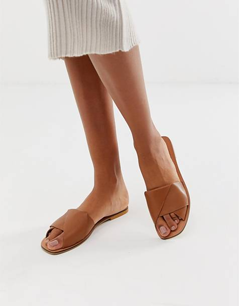 ASOS DESIGN Favoured leather flat sandals
