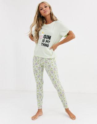 ASOS DESIGN – Gin is my Thing – T-Shirt & Leggings im Set-Grün