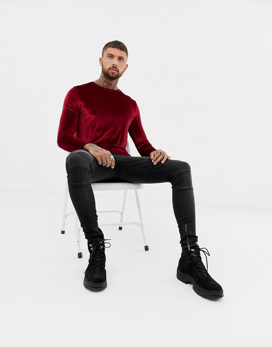 Asos Design   Lang T Shirt Met Lange Mouwen In Velours Met Ronde Zoom In Donkerrood by Asos