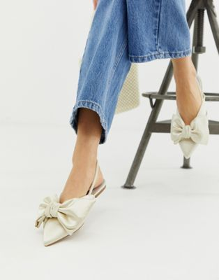 ASOS DESIGN - Lips - Ballerina's met slingback en strik in ivoorkleur