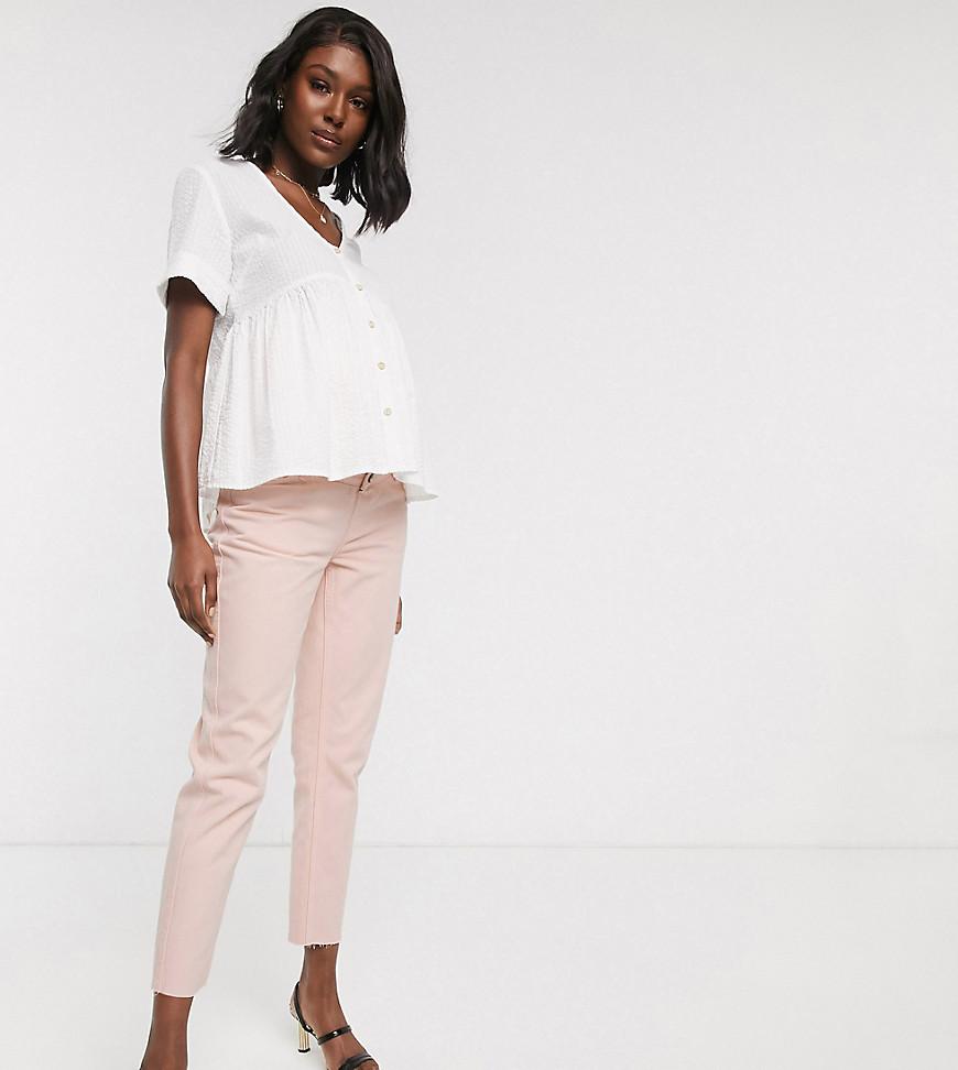 ASOS DESIGN Maternity – Mom-Jeans mit Überbauchbund in verwaschenem Rosa