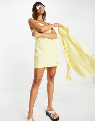 ASOS DESIGN – Mini-Trägerkleid in Gelb