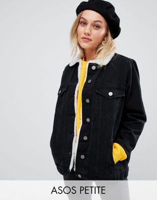 ASOS DESIGN Petite - Veste en jean avec col imitation peau de mouton - Noir délavé