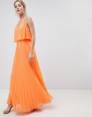 ASOS DESIGN – Plisowana sukienka maxi z krótszą warstwową górą
