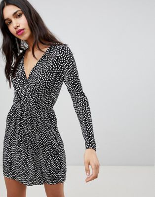 ASOS DESIGN Plisse Wrap Dress In Blurred Spot Print
