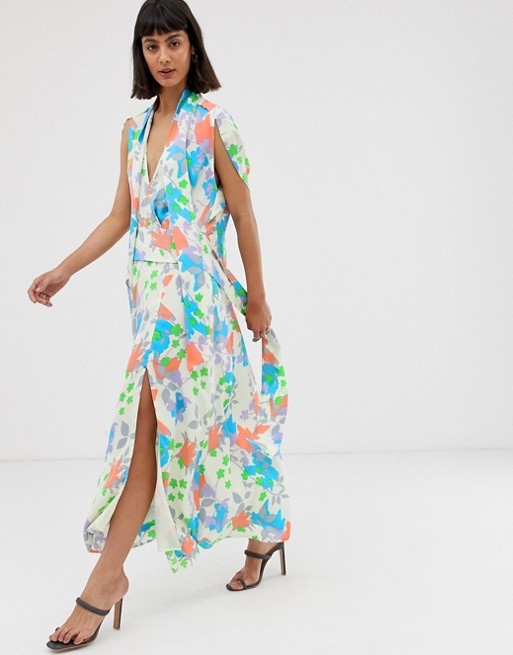 fba50a49766 Image 1 of ASOS DESIGN plunge neck modern maxi dress with cape sleeves in  floral print