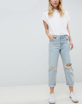 ASOS DESIGN relaxed boyfriend jeans in light vintage blue wash