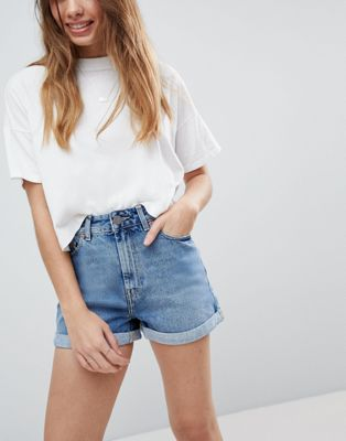 ASOS DESIGN – Ritson – Mom-Jeansshorts in Altblau