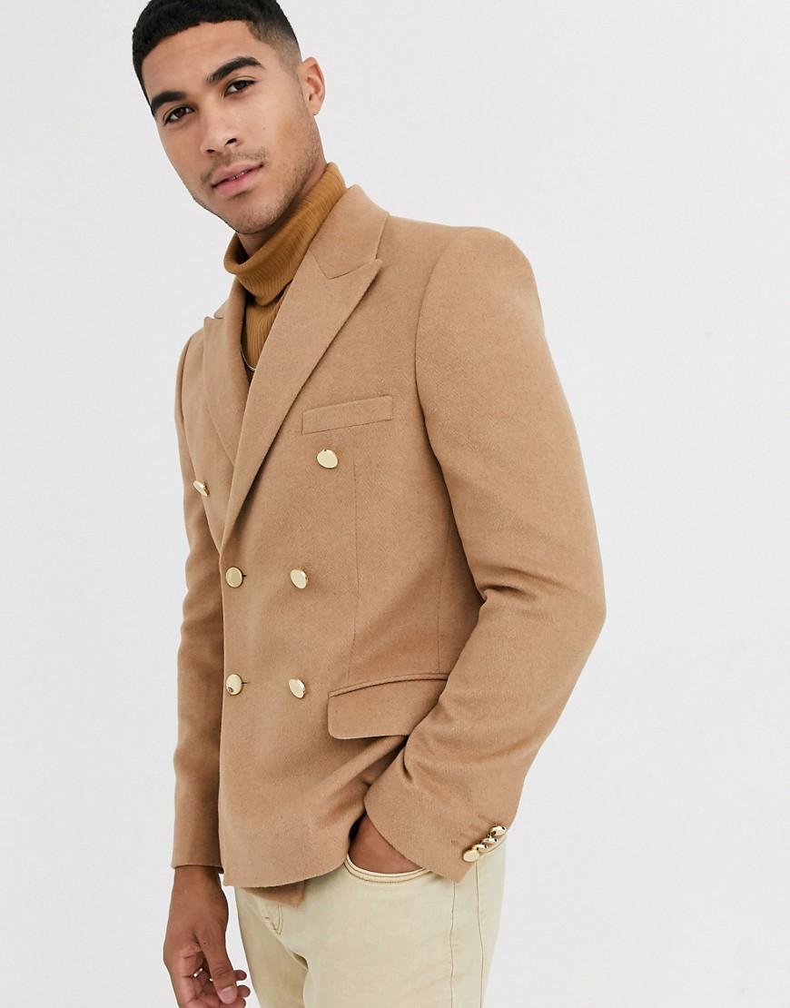 asos design -  – Schmaler, zweireihiger, gekämmter Blazer in Camel mit goldenen Knöpfen-Neutral