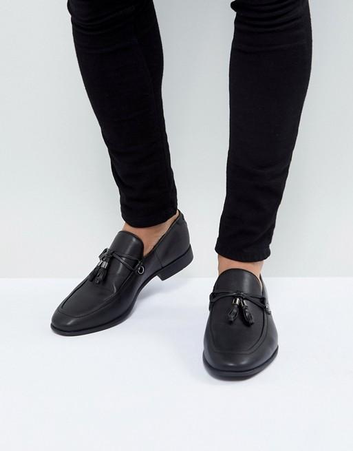 Bild 1 von ASOS DESIGN – Schwarze Loafer aus Kunstleder mit Quastenverzierung
