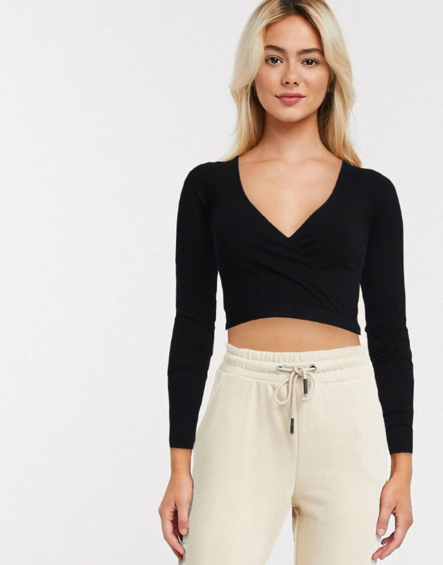 ASOS DESIGN - Sort ribstrikket slå om-top
