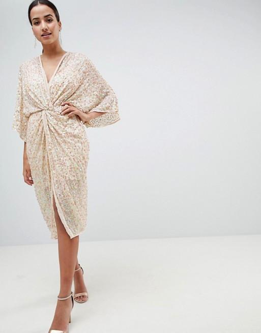 ASOS DESIGN – Sukienka o długości midi z kimonowymi rękawami, dekoltem w szpic i bogatym zdobieniem