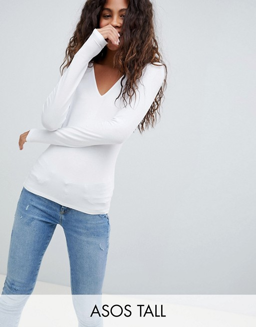 ASOS DESIGN Tall - Ultimate - Top col V à manches longues - Blanc