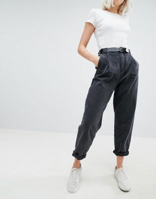 ASOS DESIGN Tapered Jeans With Curved Seams And Belt In Washed Black