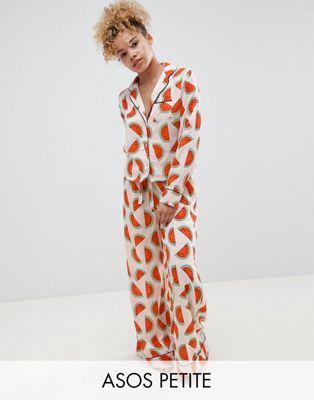 ASOS DESIGN – Traditionellt pyjamasset med långa ben med heltäckande melonmönster i 100 % modal