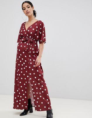 Bild 1 von ASOS DESIGN – Umstandsmode – Gepunktetes Still-Maxikleid mit Kimono-Wickeloptik