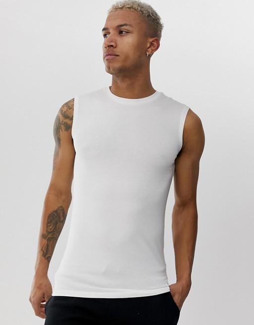 DESIGN Vitt ekologiskt linne i muscle fit-modell med stretch