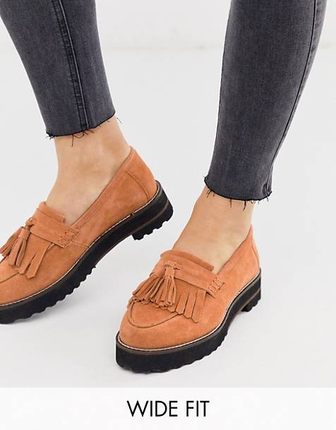 ASOS DESIGN Wide Fit Meze chunky fringed suede loafers in tan