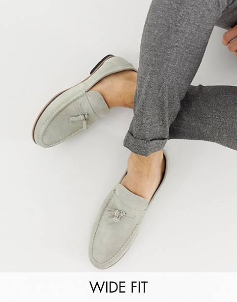 ASOS DESIGN Wide Fit tassel loafers in gray suede with natural sole
