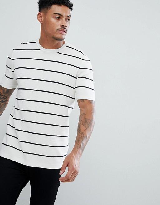 ASOS - Gebreid T-shirt met textuur en strepen in wit