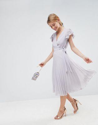 Afbeelding 1 van ASOS - Midi-jurk met plooien en fladdermouwen