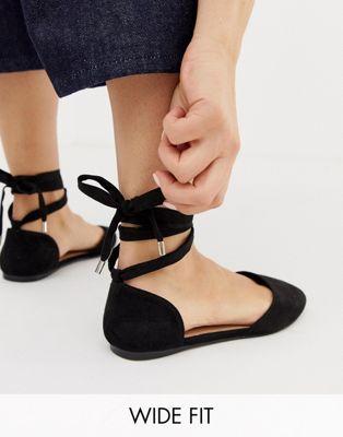 Imagen 1 de Bailarinas negras de ancho especial con puntera cuadrado de ASOS DESIGN