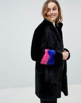Barney's Originals - Jas van imitatiebont met mouwen met kleurvlakken