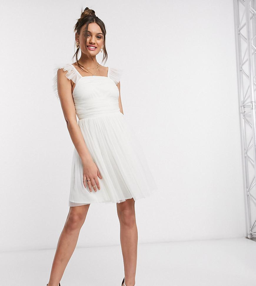 Белое платье для выпускного с оборками на рукавах Anaya With Love Petite-Белый