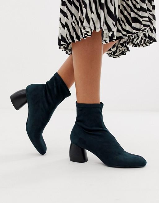Bershka – Stiefel aus Wildlederimiat in Indigoblau